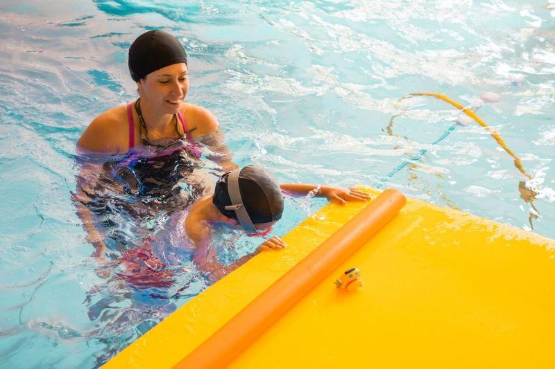 aquapassion-enfant maman matelas piscine