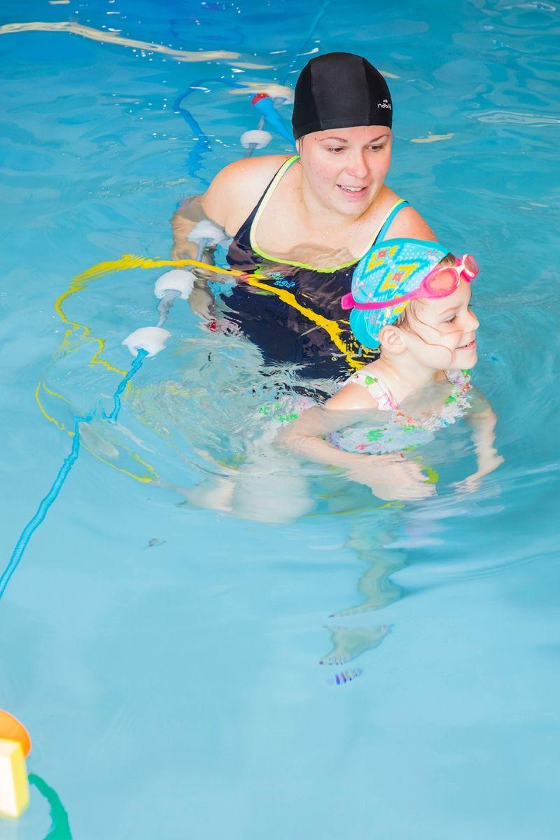 enfant maman piscine-aquaeveil-aquapassion